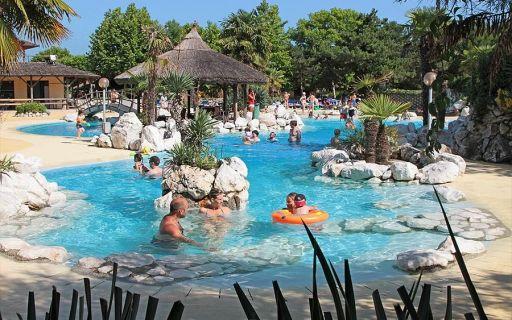 Tahiti Camping & Thermae Bungalow Park Lido delle Nazioni